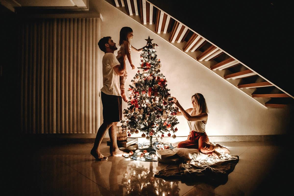 Tips & Tricks To Keeping Joyful This Holiday Season