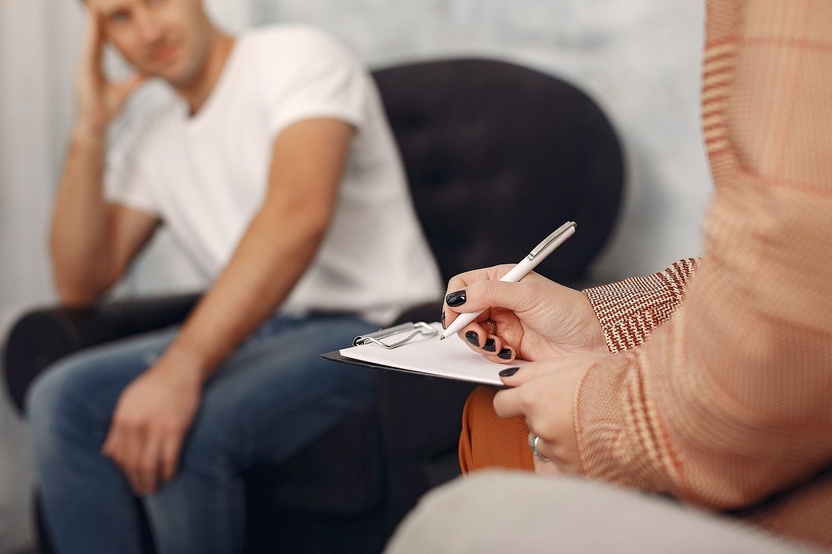 Four Tips to Find the Right Men's Therapist for Your Needs